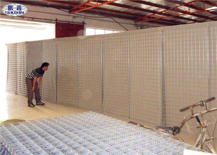 River Flood Protect Hesco Type Barriers Mil1 Welded Cages For Sand / Earth / Cement